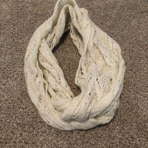 Accessories - Off white scarf